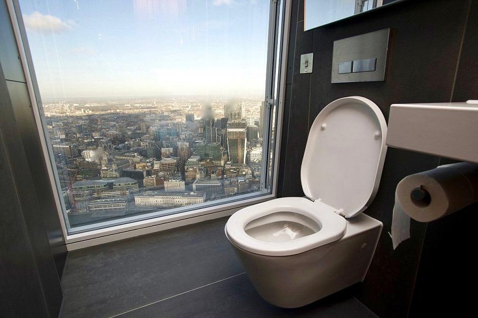 туалет на балконе