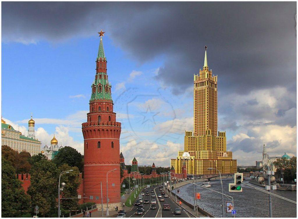 Сталинская высотка в Зарядье